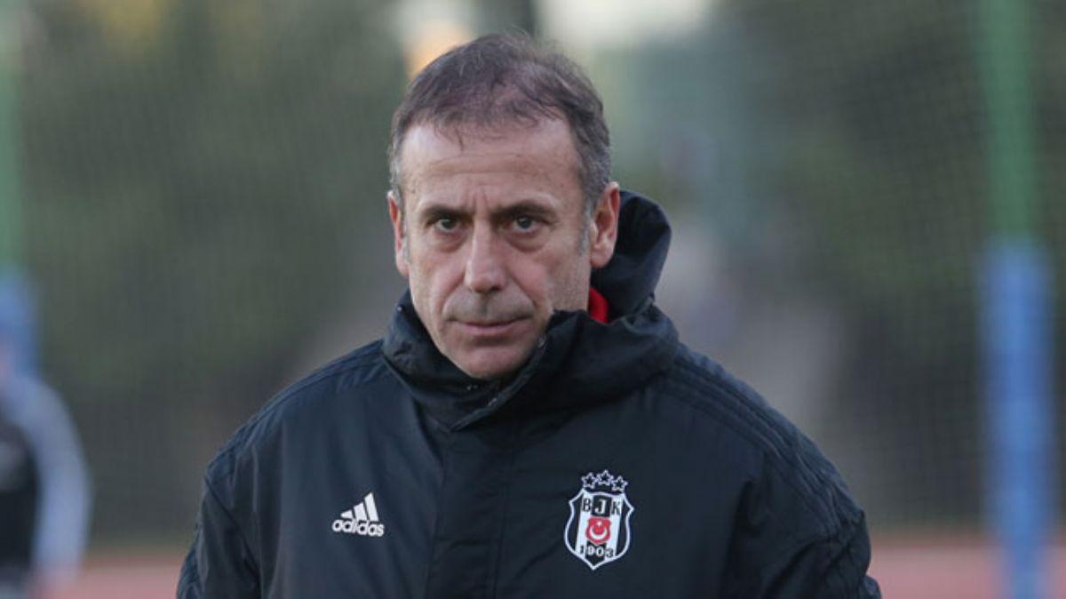 Beşiktaş yönetimi, Abdullah Avcı'yla yola devam kararı aldı