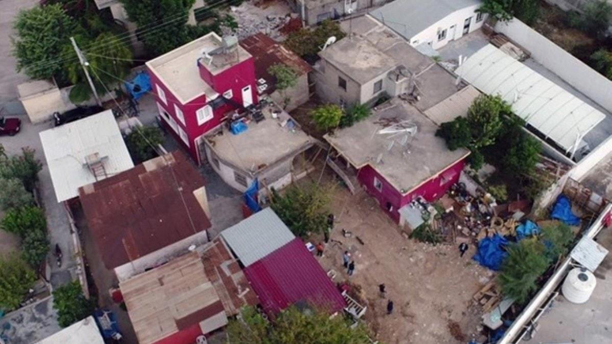 Mahalle sakinleri evlerini boşaltıyor... 'Gizemli ev' isyanı