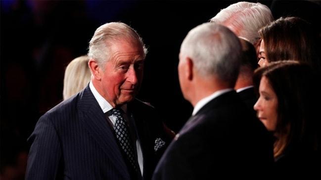 Dünya Prens Charles'ın bu hareketini konuşuyor... Mike Pence dondu kaldı