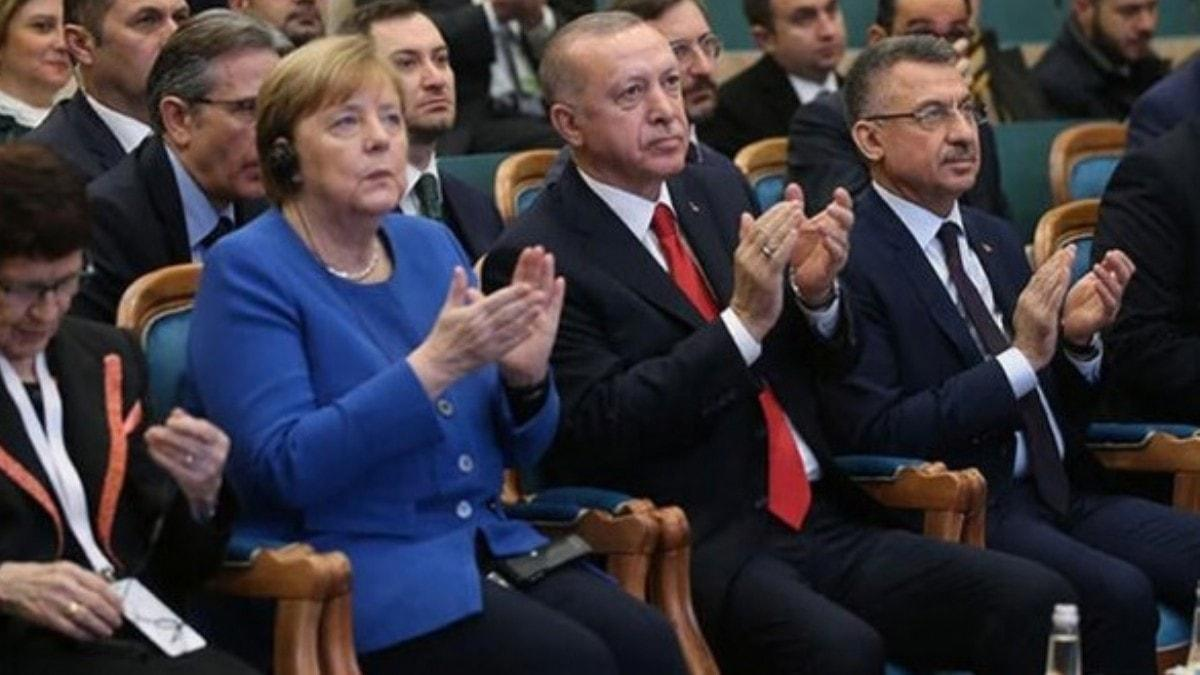 Başkan Erdoğan ve Almanya Başbakanı Merkel'den İstanbul'da önemli mesajlar