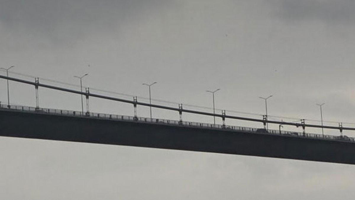 15 Temmuz Şehitler Köprüsü'nde taksi şoförü boğaza atlayarak intihar etti