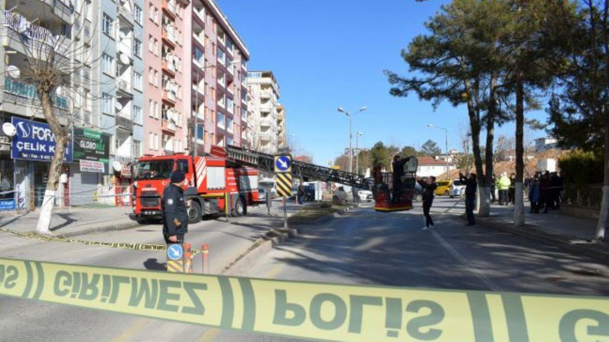 Malatya'da bulunan ağır hasarlı bina boşaltıldı