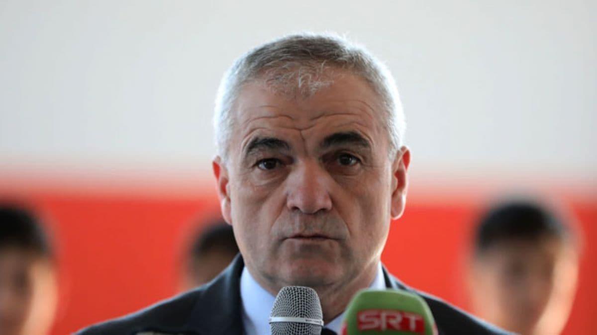 Sivasspor yönetimi ve teknik direktör Rıza Çalımbay'dan depremzedelere yardım
