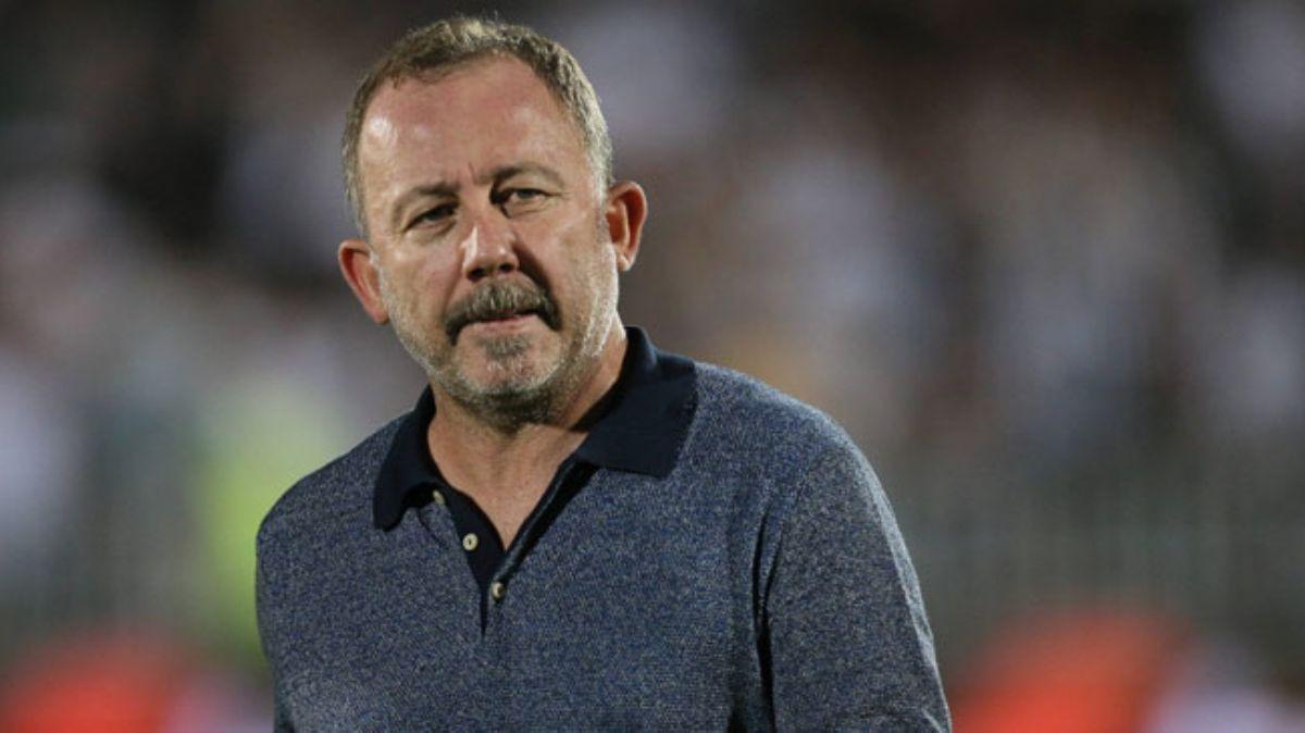 Beşiktaş, Sergen Yalçın ile 1,5 yıllık sözleşme imzalandığını TFF'ye bildirdi