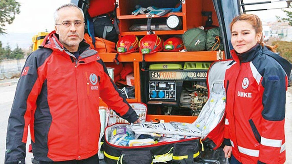 UMKE ekipleri göçük altında ameliyat bile yapabiliyor