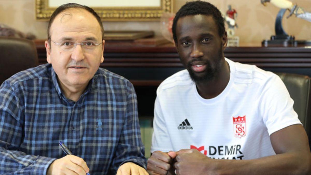 Sivasspor Fransız savunmacı Samba Camara'yı renklerine bağladı