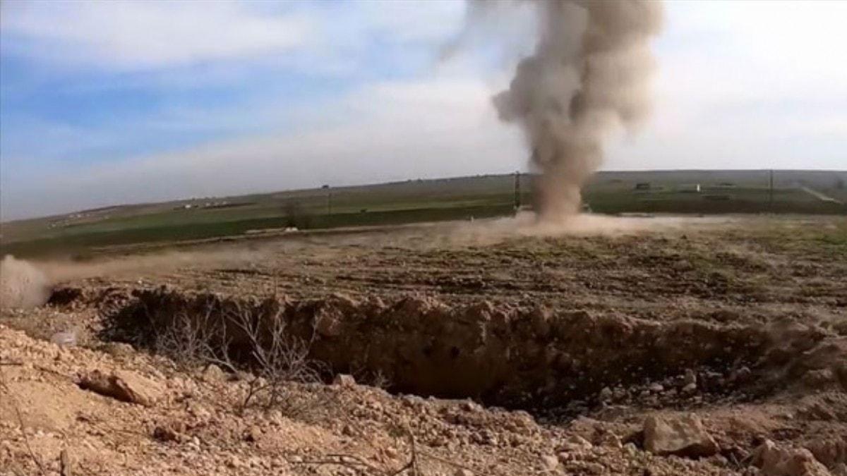 MSB: Komandolar PKKYPG'nin mevzilerini imha ediyor