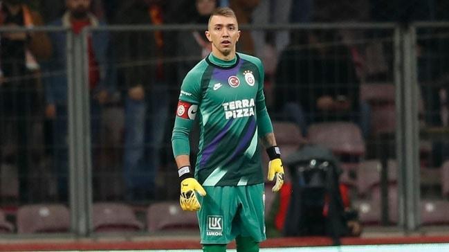 Galatasaray Muslera ile nikah tazelemek için harekete geçti