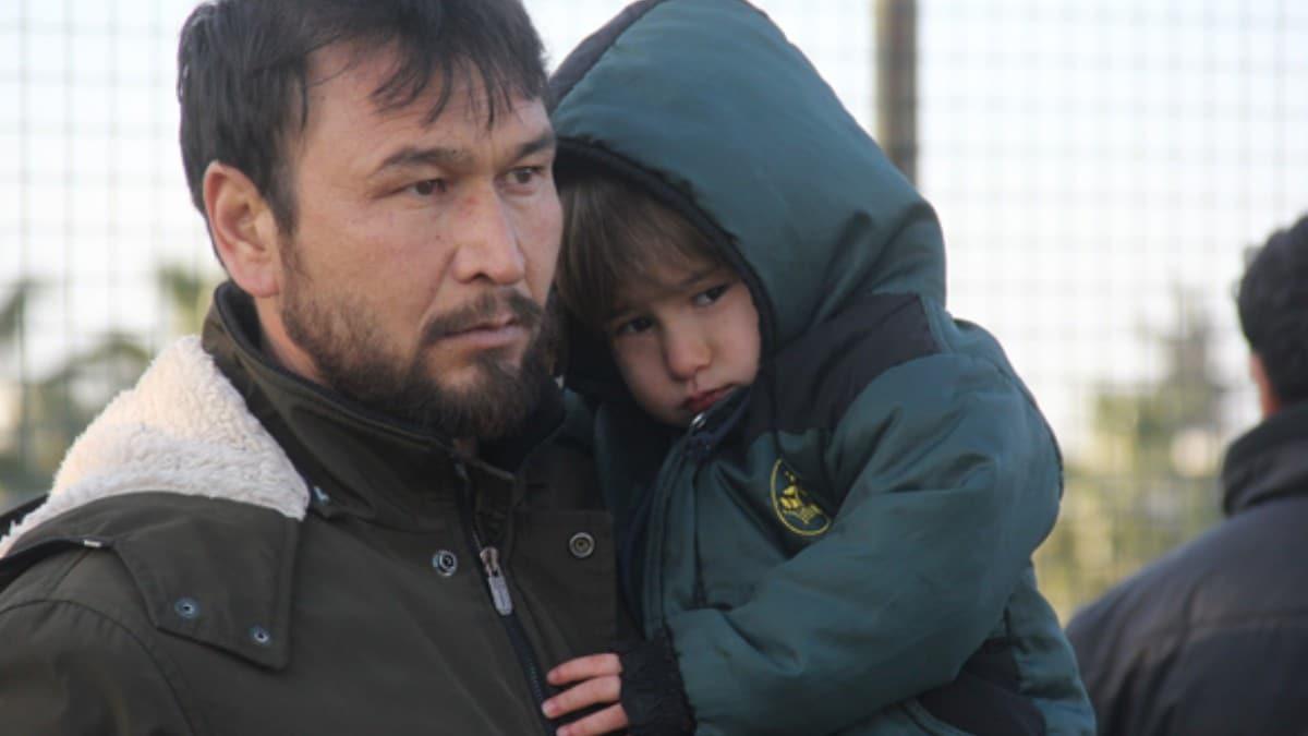 Göçmenleri, 'Avrupa'ya götürüyoruz' diyerek Adana'ya getirdiler