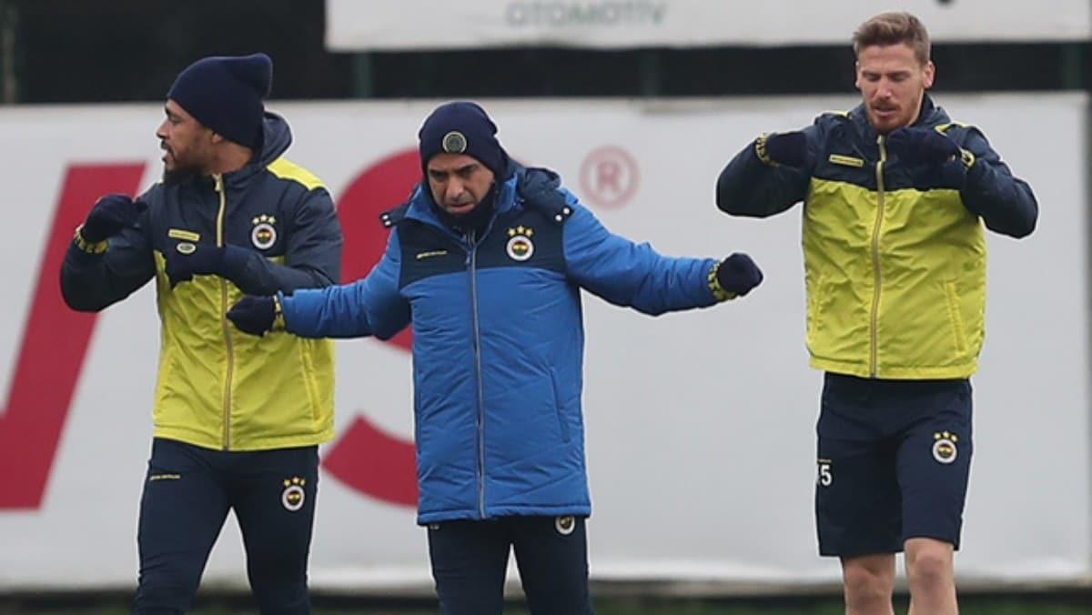 Fenerbahçe'de Galatasaray derbisinin analiz toplantısı yapıldı