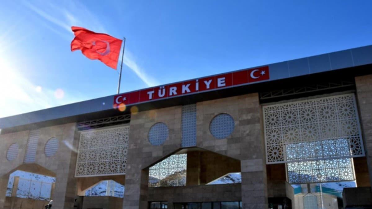 Sınır kapılarında alarm verildi! O yolcular Türkiye'ye giremeyecek