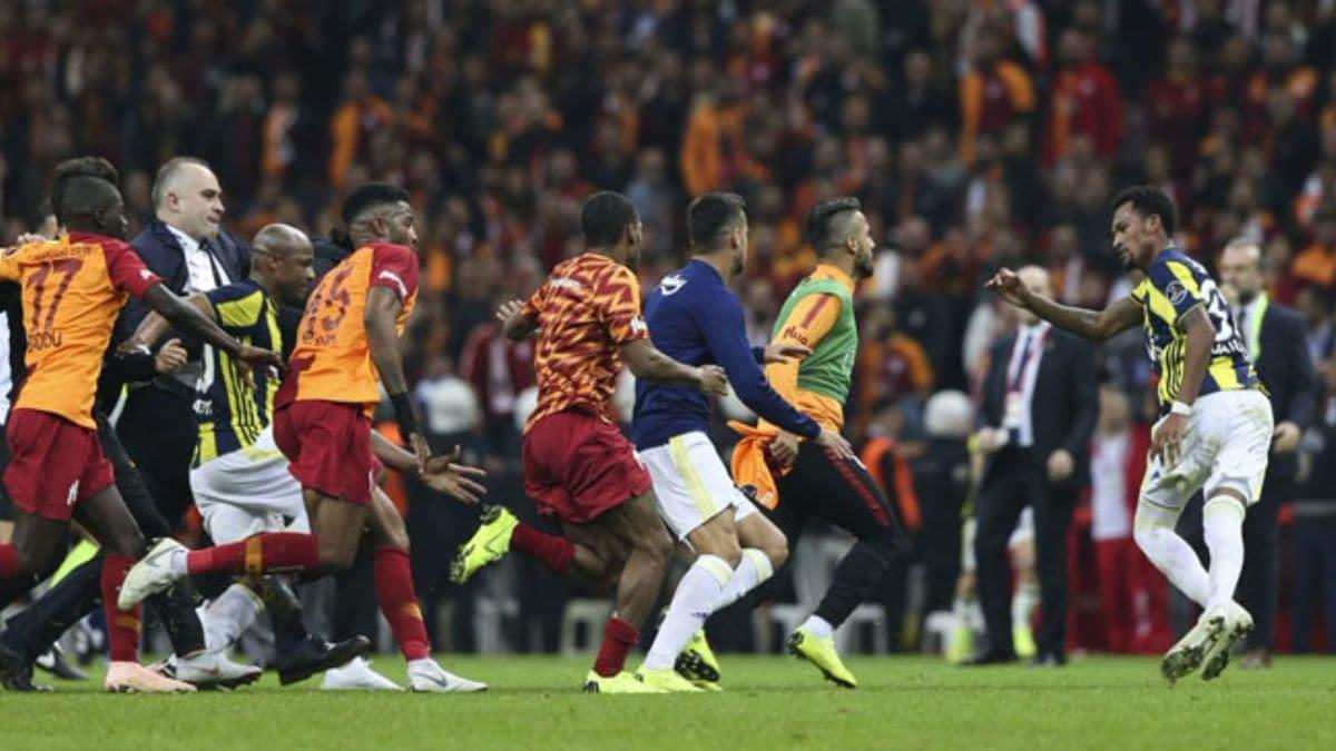 Fenerbahçe ve Galatasaray derbileri olaylı geçiyor! Ağır fatura...