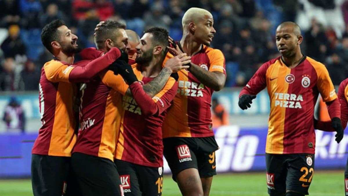 Galatasaray yönetiminden futbolculara derbi dopingi 7 milyon lira