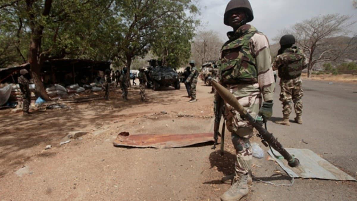 Nijerya'da silahlı çete üyesi 13 kişi öldürüldü