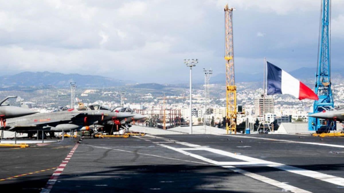 Fransa, Charles De Gaulle savaş gemisini Güney Kıbrıs'a gönderdi