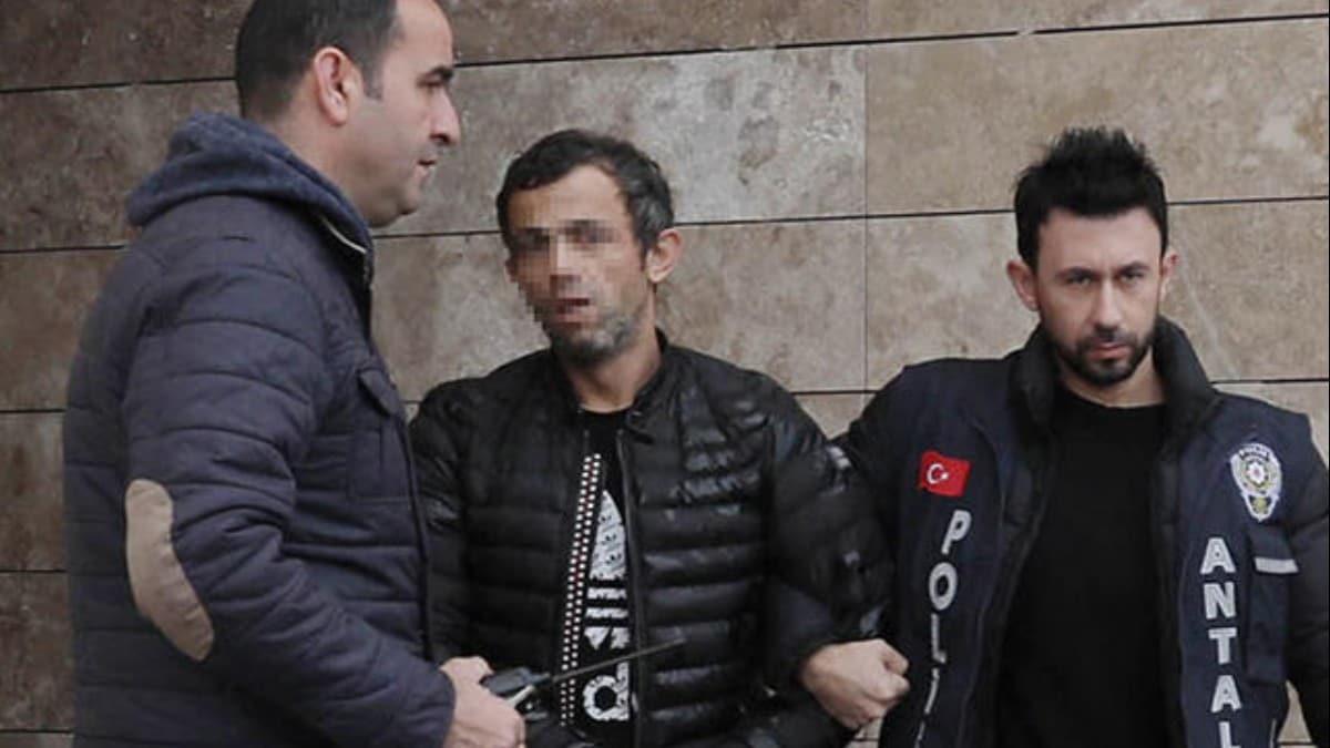 """Antalya'da kuyumcudan 40 bin liralık altın çalan hırsız: Ne yaptım ki"""""""