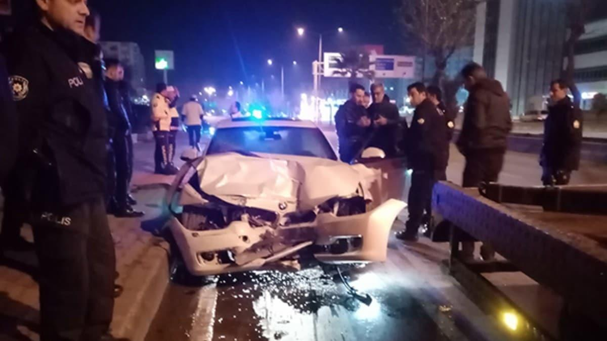 Lüks otomobil polislere dehşeti yaşattı! Ölümden döndüler