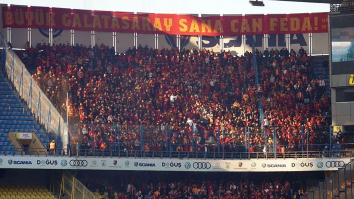 Tarihe tanıklık eden 2500 Galatasaray taraftarı
