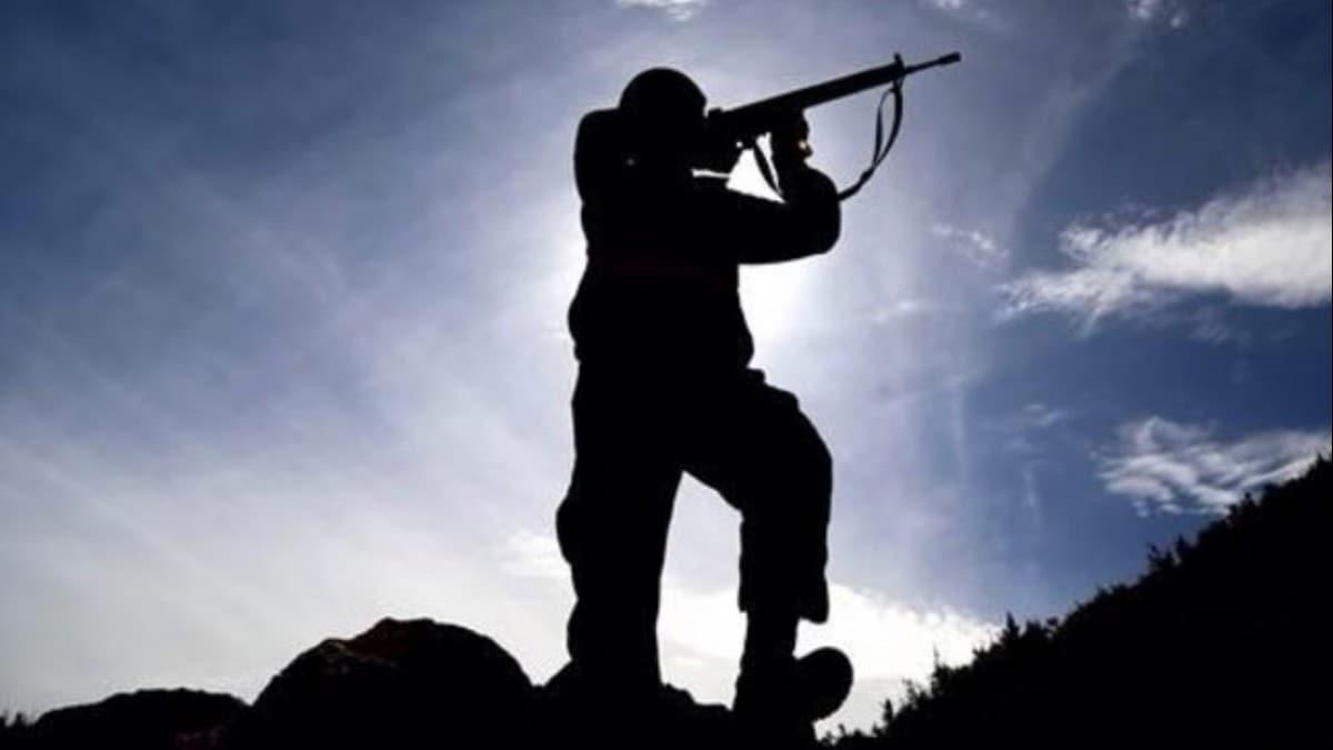 MSB: 2 PKKYPG'li terörist, Silopi ve Nusaybin'deki hudut karakollarına teslim oldu