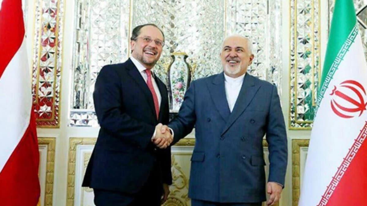 İran Dışişleri Bakanı Cevad Zarif, koronavirüsü tiye aldı!