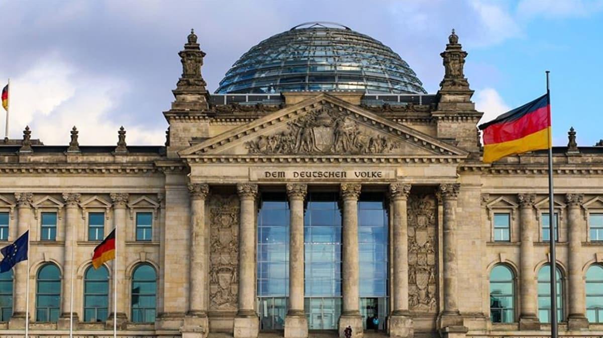 Alman sanayicilerden hükümete koronavirüs çağrısı: 'Acilen harekete geçin'