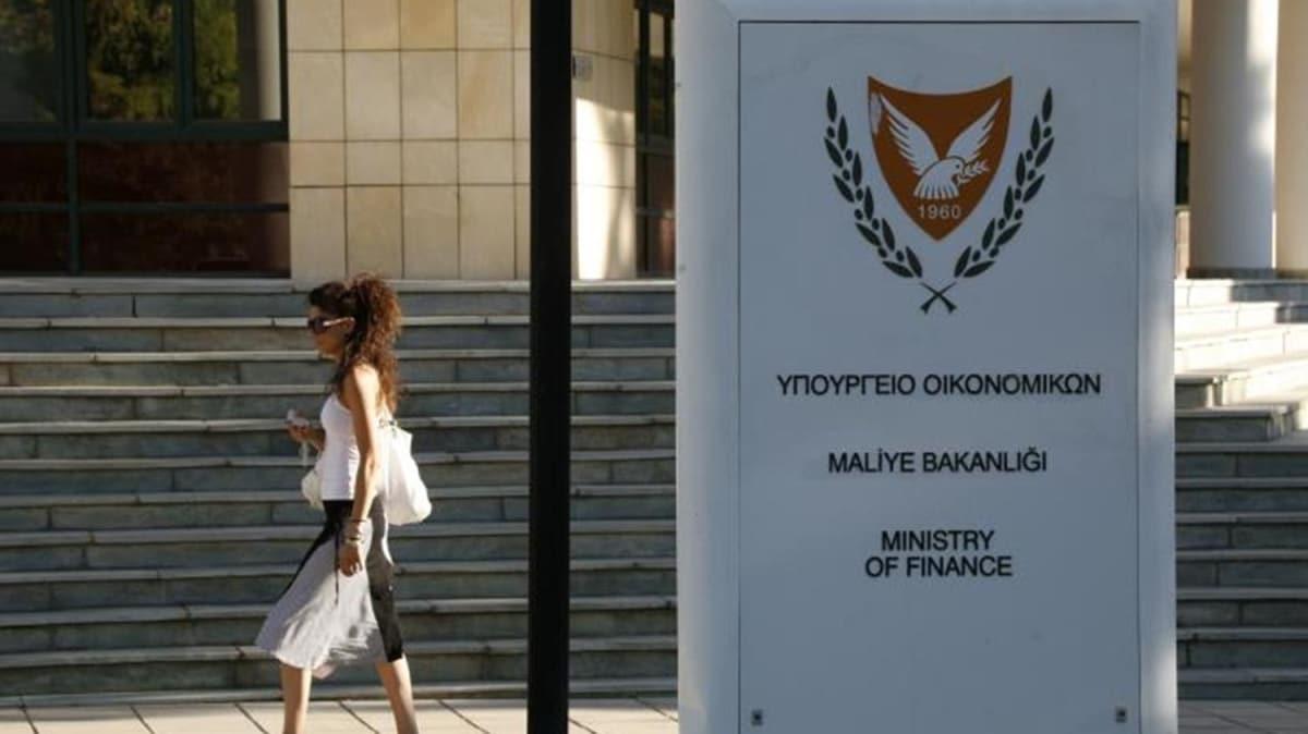 Güney Kıbrıs ekonomik sıkıntılar yaşıyor! 200 bin Rum yoksulluk sınırı altında