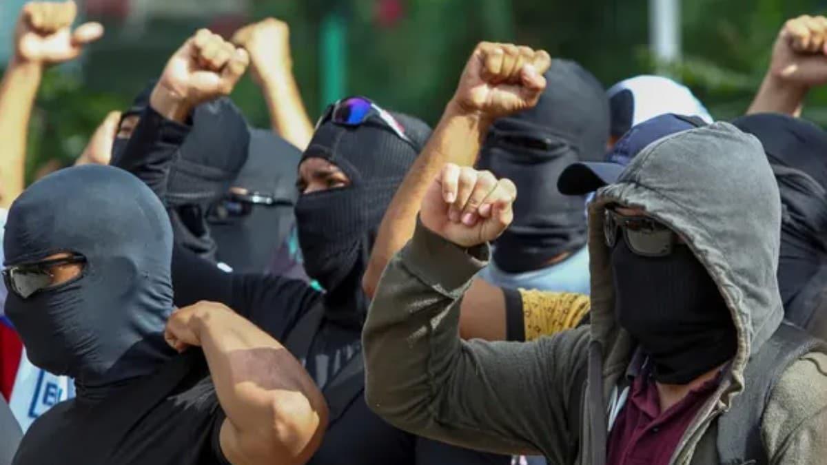 O ülkede facia! Polisler greve gitti: Cinayet sayısı 5 kat arttı!