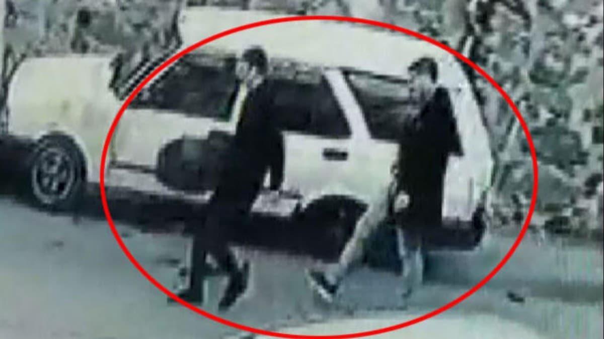 İstanbul'da lastiği patlayan sürücü, çareyi bir başka otomobilin lastiğini çalmakta buldu