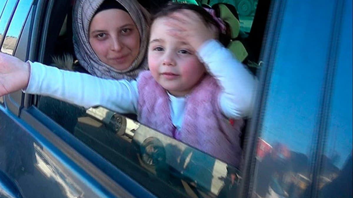Babasının bomba sesinden korkmaması için 'savaş oyunu' oynattığı Selva, Türkiye'de