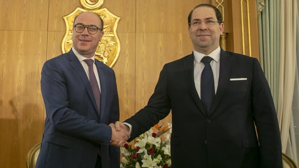 Tunus'ta Başbakan Fahfah yeni görevini devraldı