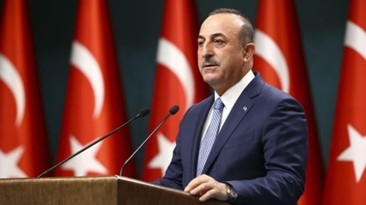 Dışişleri Bakanı Mevlüt Çavuşoğlu büyükelçi ve başkonsoloslarla video konferans yöntemi ile görüştü