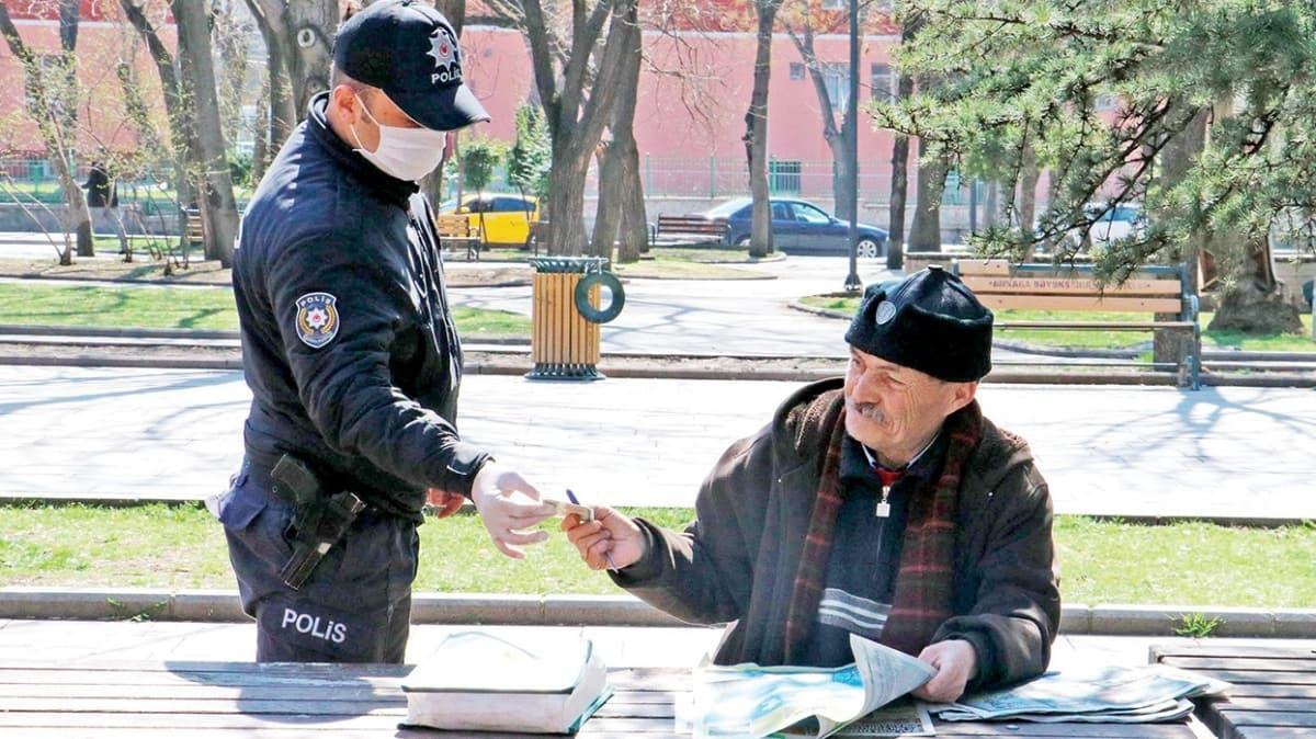 65 yaş üstünün salgın sınavı başladı... Sokağa çıkana para cezası