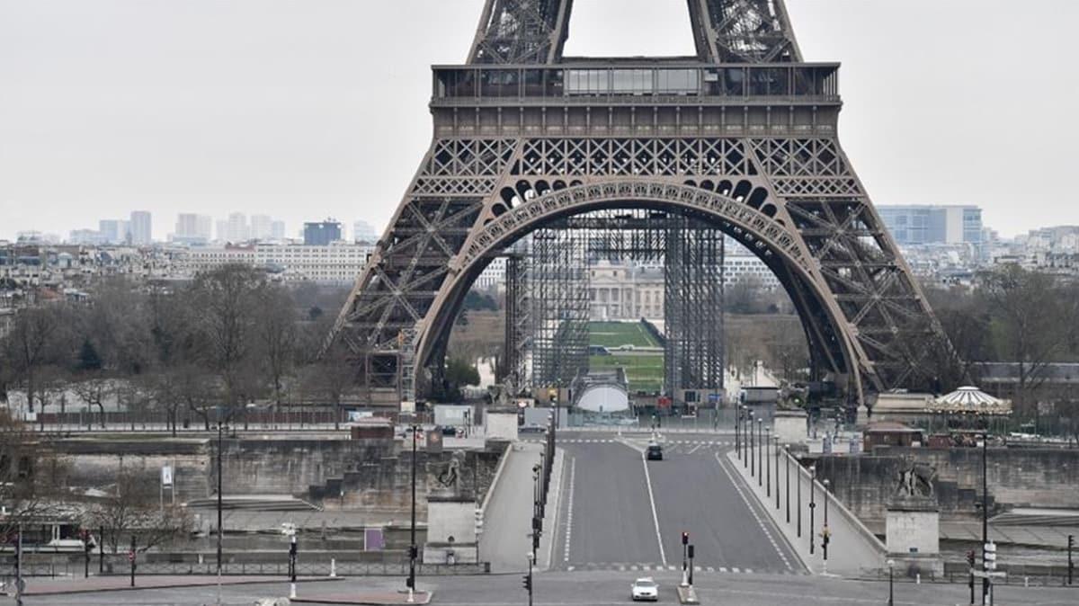 Fransa'da Kovid-19'a bağlı ölü sayısı 860'a çıktı