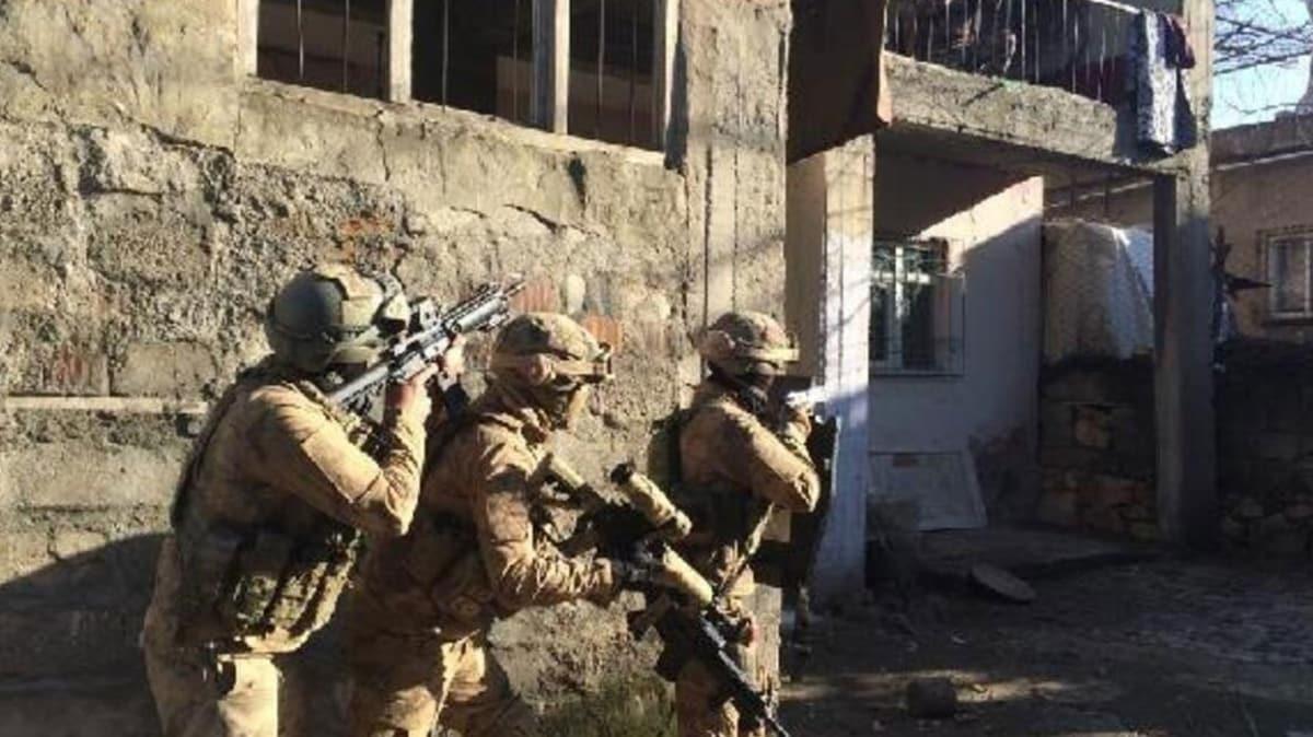 Hakkari'de terör operasyonu: 16 gözaltı