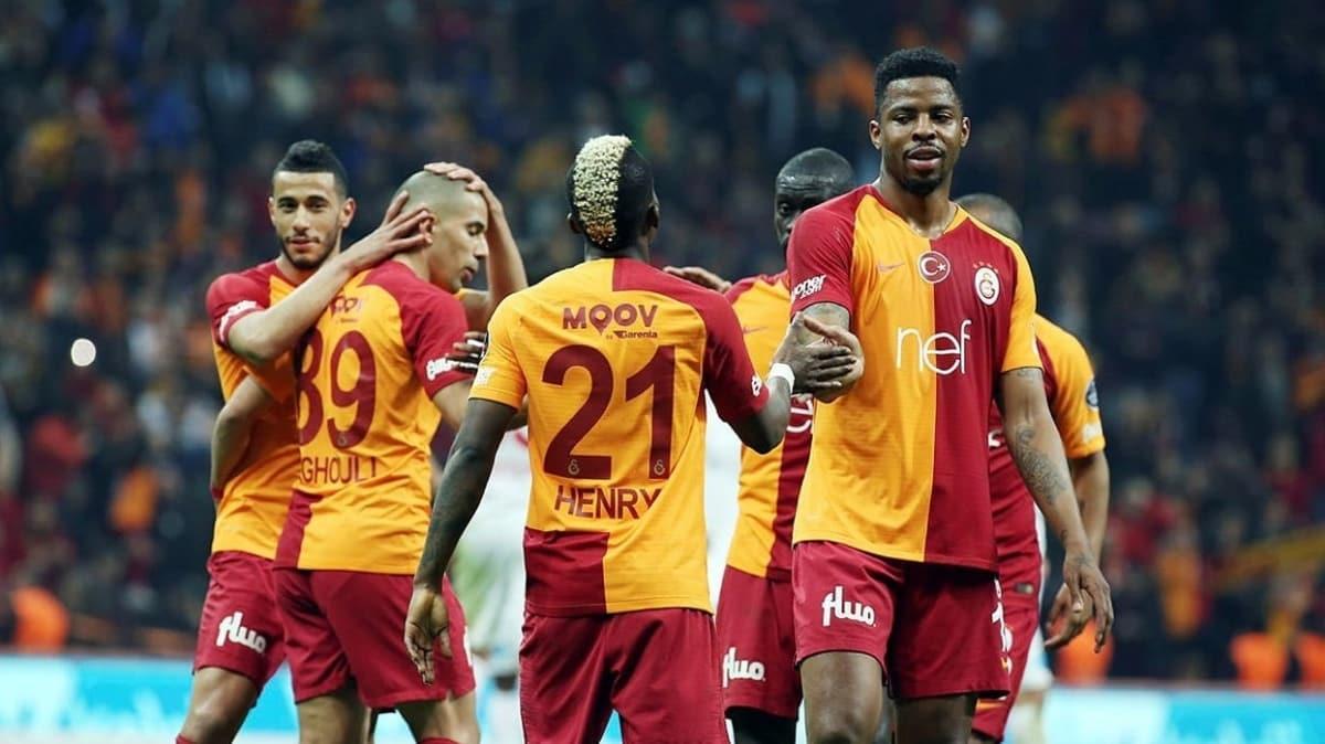 Galatasaraylı futbolculardan Terim'e destek