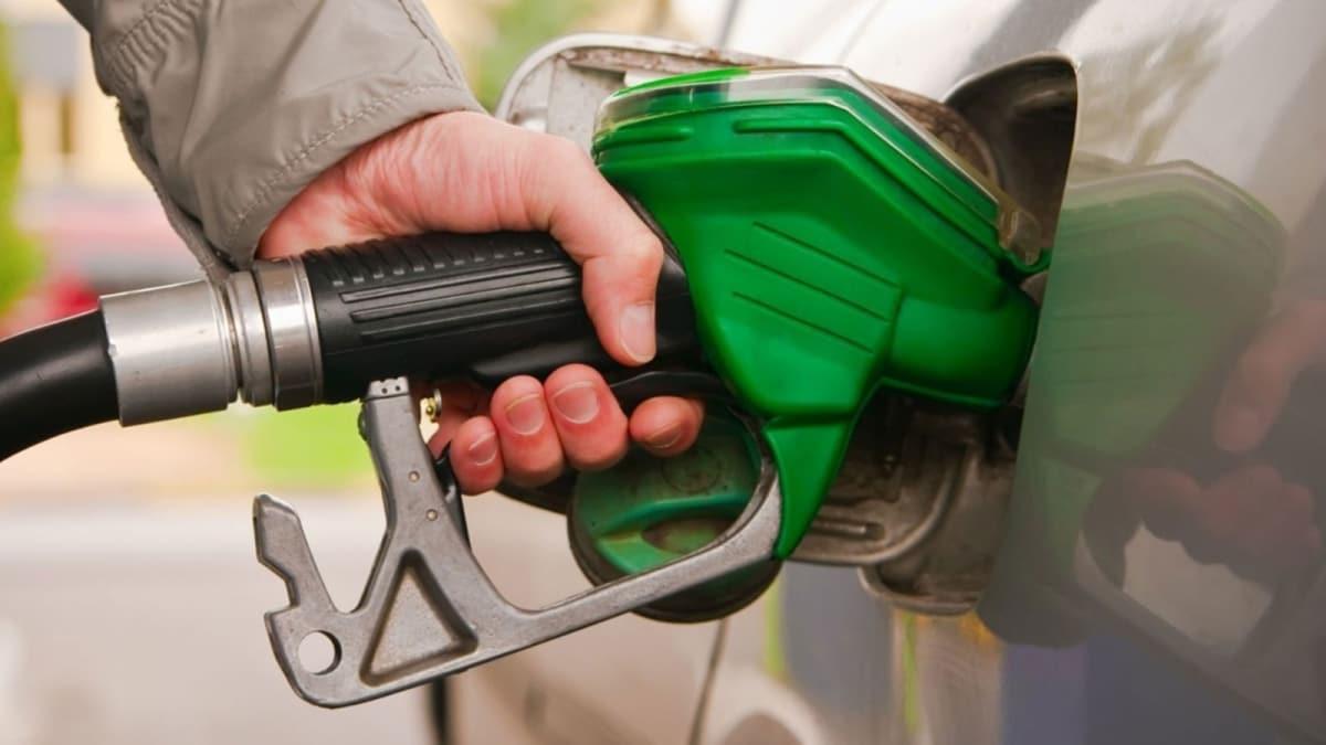 Benzin fiyatlarına bir indirim daha! Bu gece geçerli olacak