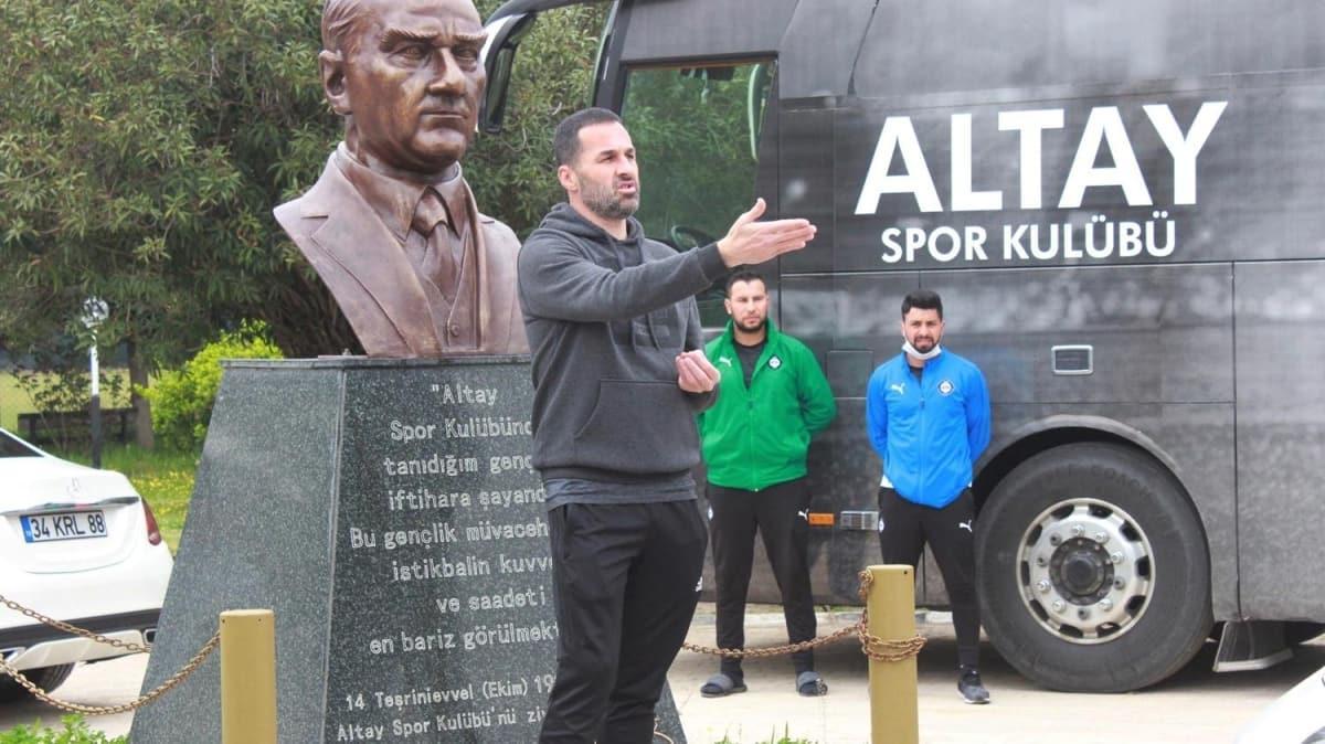 Altay, Putsila ve Kappel ile sözleşme yeniledi