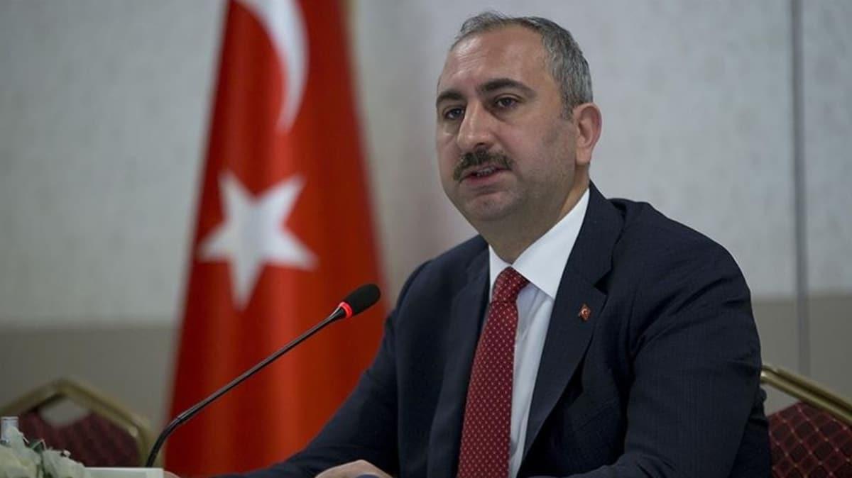 Son dakika haberi: Bakan Gül: Duruşmaların ertelenmesi konusunda HSK'ya yetki verildi