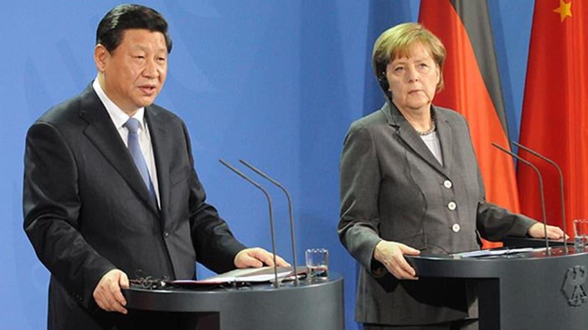 Merkel'den koronavirüs diplomasisi... Çin Devlet Başkanı ile görüştü