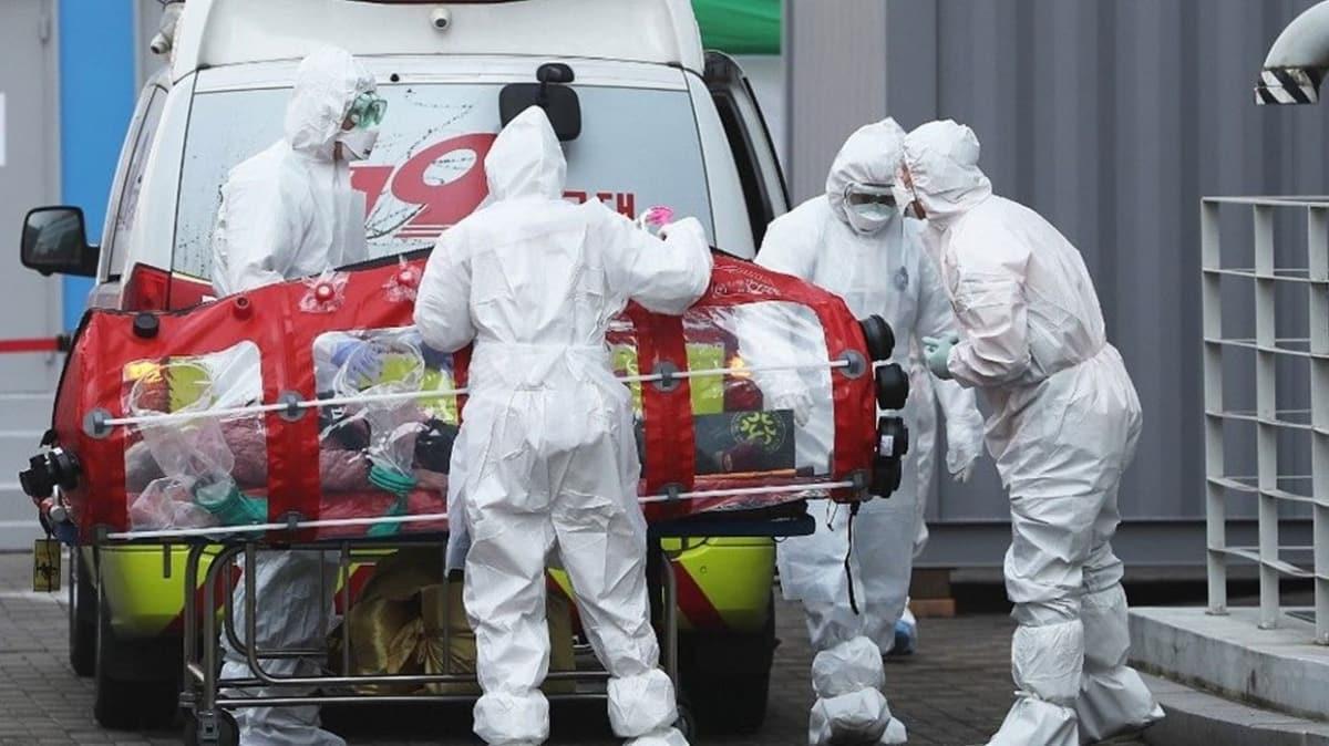 ABD'de Kovid-19 salgınında ölenlerin sayısı 800'ü aştı