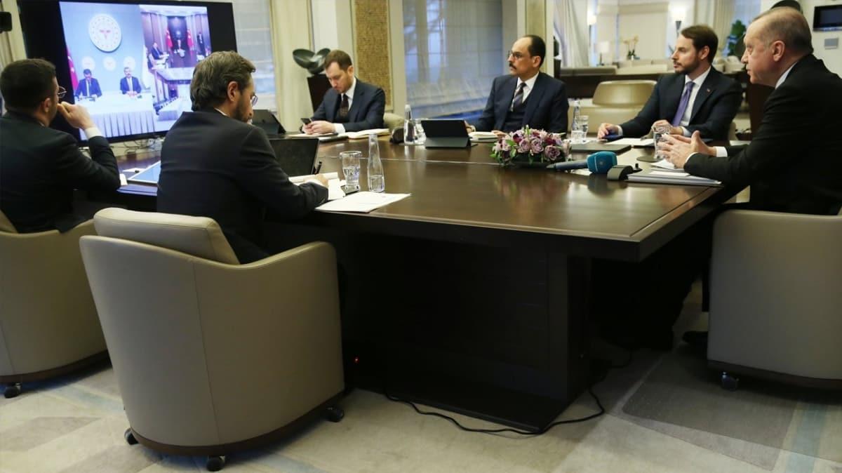 Başkan Erdoğan Bilim Kurulu Toplantısı'na katıldı, Bakan Koca ve Bakan Selçuk'tan bilgi aldı