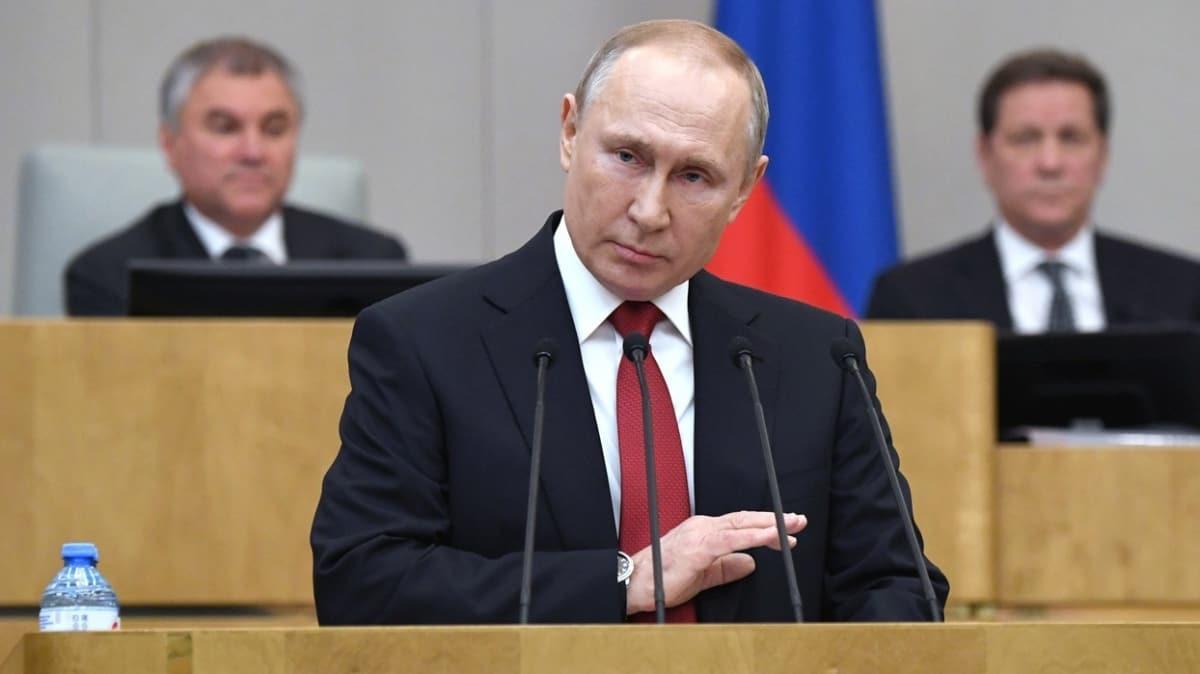 Putin 22 Nisan'daki referandumun erteleneceğini açıkladı