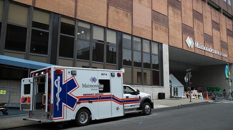 New York'ta koronavirüs nedeniyle hastaneye kaldırılanların sayısı, bir günde yüzde 40 arttı