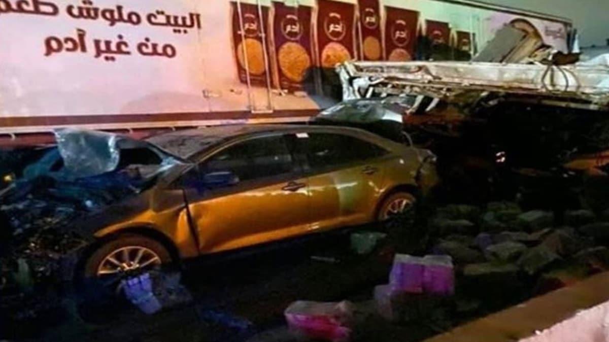 Mısır'da sokağa çıkma yasağı kontrol noktasında trafik kazası: 18 ölü