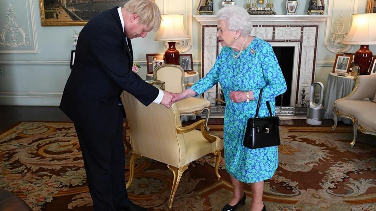 """İngiltere bu iddiayı konuşuyor! Kraliçe'de durum ne"""""""