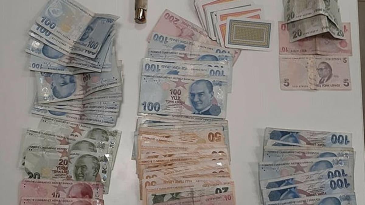 Koronavirüs uyarılarına aldırmayan 19 kişi kumar oynarken suçüstü yakalandı