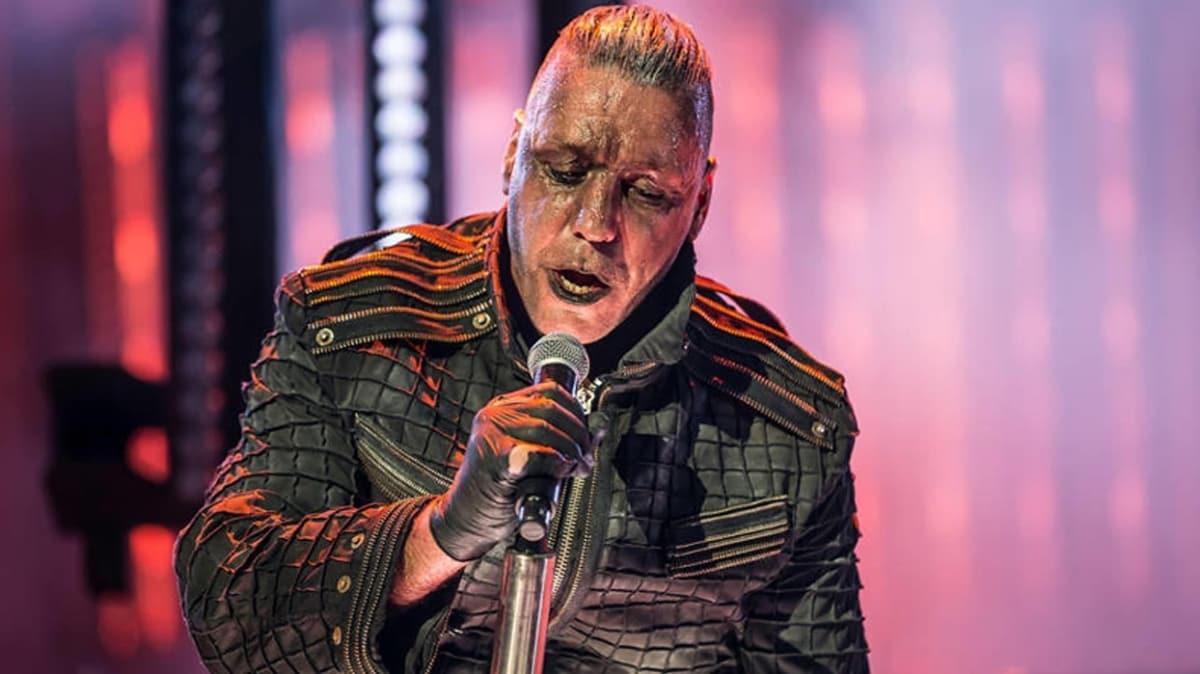 Rammstein'ın vokalisti Till Lindemann koronavirüs nedeniyle yoğun bakımda!