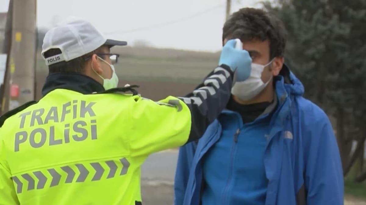 İstanbul'da koronavirüs denetimi: Sürücü ve yolcuların ateşleri ölçülüyor