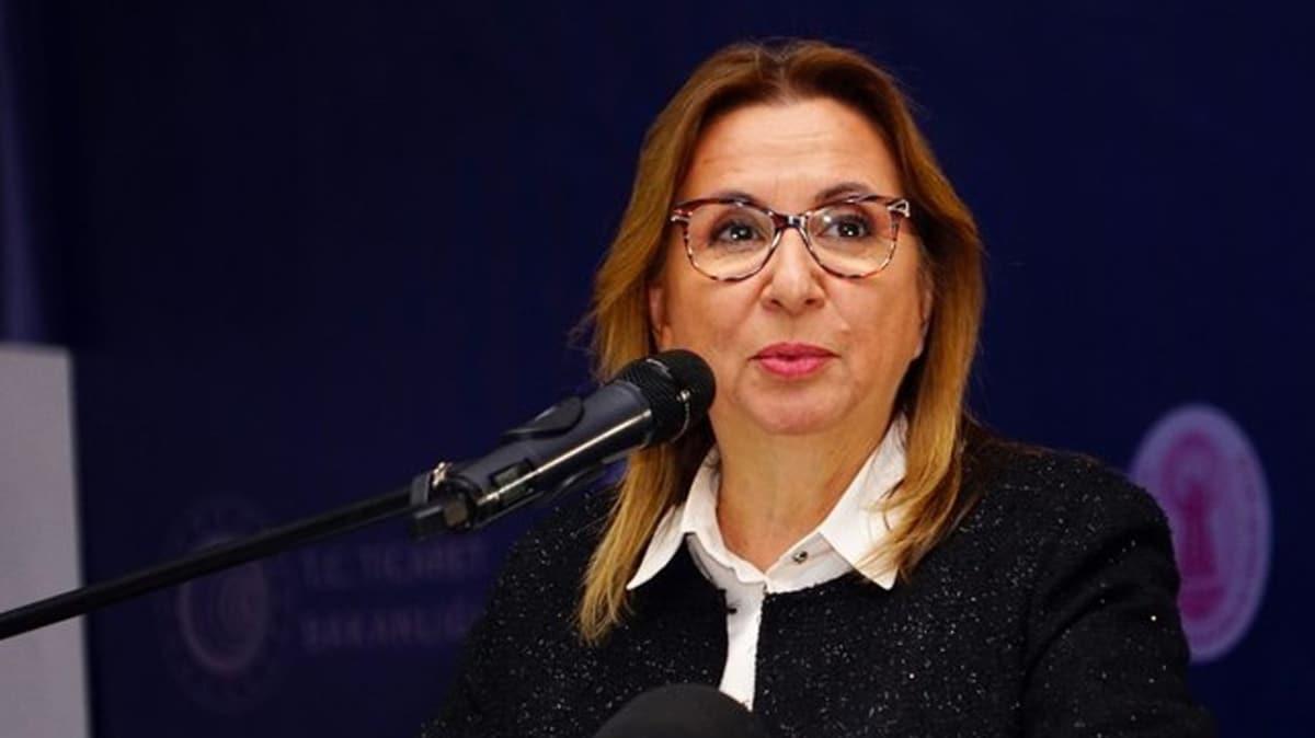 """Bakan Pekcan'dan evdeki vatandaşlara """"Sanal Ticaret Akademisi"""" daveti"""