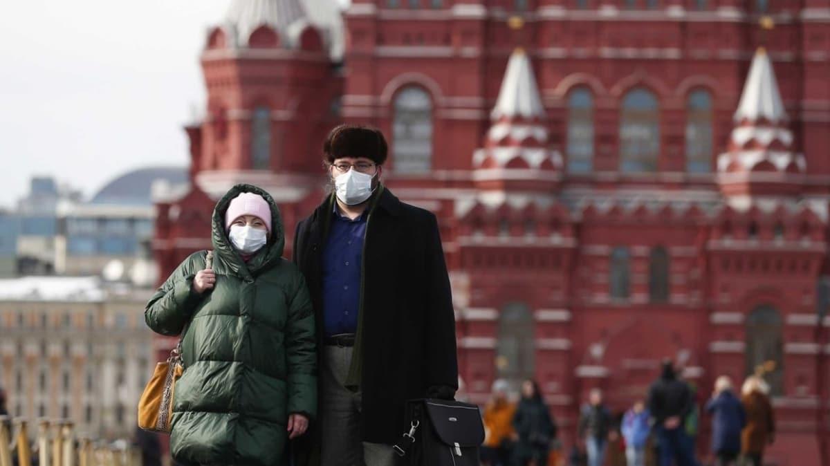 Moskova'da sokağa çıkma yasağı kararı